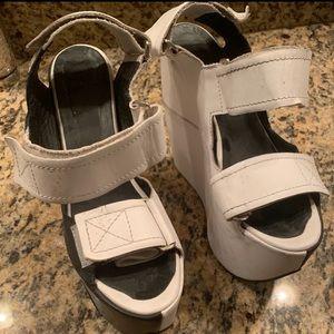 ALL CAPS Platform sandal